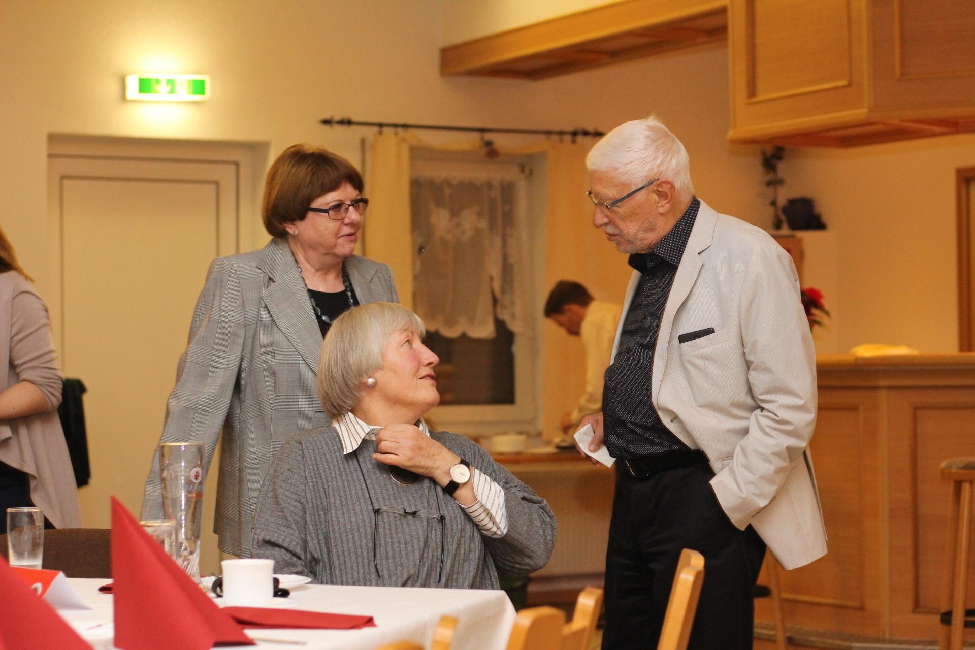 06_Gespräch mit Sigrid Meyer und Margot Jessat